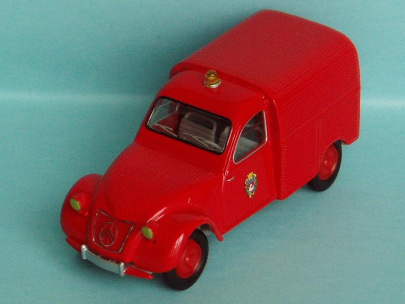 2000 à 2007 > HACHETTE > Les véhicules de sapeurs pompiers et leur univers 1951_210