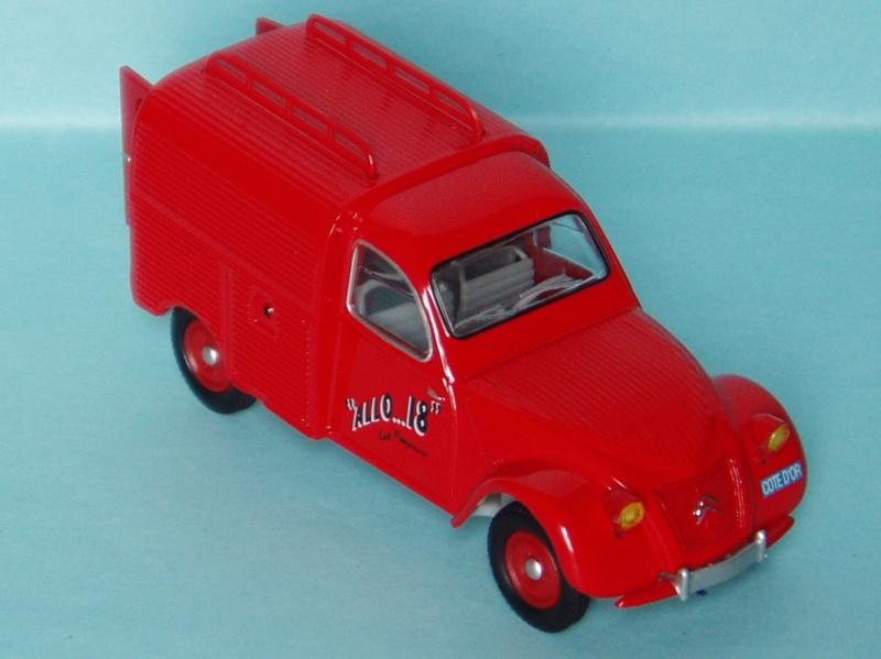 2000 à 2007 > HACHETTE > Les véhicules de sapeurs pompiers et leur univers 1955_210