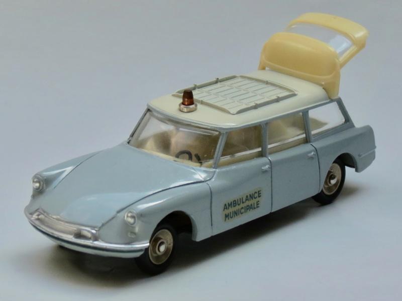 """Citroën miniatures > """"Ambulances, transports de blessés et assistance d'urgence aux victimes"""" 1958-610"""