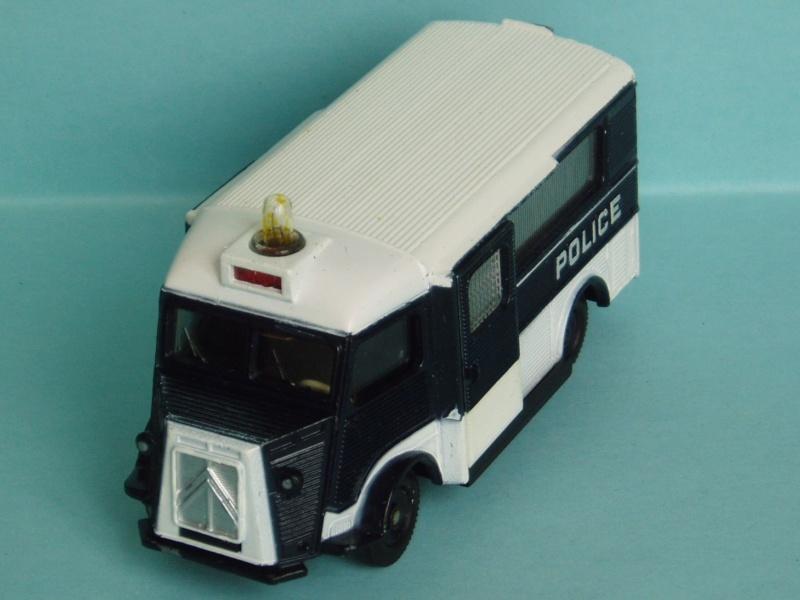 """Citroën miniatures > """"Ambulances, transports de blessés et assistance d'urgence aux victimes"""" 1962_t11"""