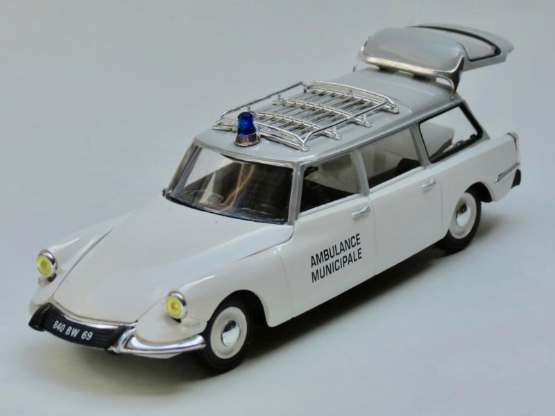 """Citroën miniatures > """"Ambulances, transports de blessés et assistance d'urgence aux victimes"""" 1963_i10"""