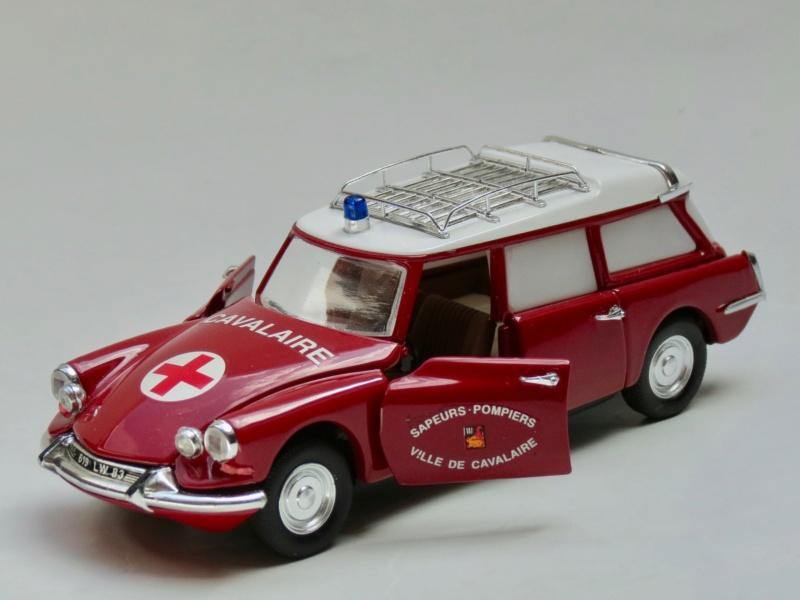 """Citroën miniatures > """"Ambulances, transports de blessés et assistance d'urgence aux victimes"""" 1965_i10"""