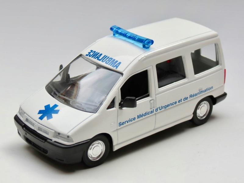"""Citroën miniatures > """"Ambulances, transports de blessés et assistance d'urgence aux victimes"""" 1995_j10"""