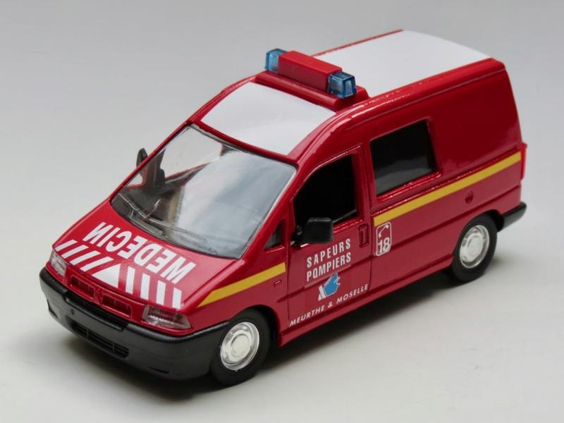 """Citroën miniatures > """"Ambulances, transports de blessés et assistance d'urgence aux victimes"""" 1995_j11"""