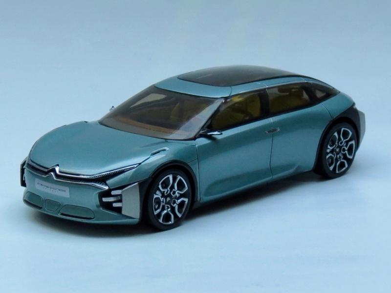 """""""Les Citroën C4 Cactus ne naissent pas dans les choux ni dans les roses.""""  2016_c11"""