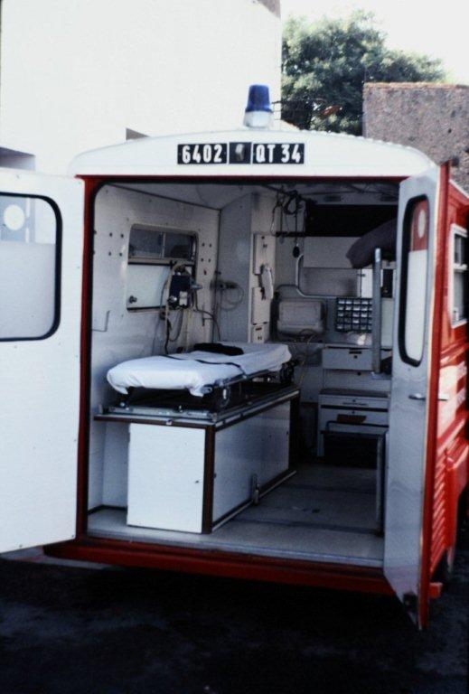 """Citroën miniatures > """"Ambulances, transports de blessés et assistance d'urgence aux victimes"""" 6c1da810"""