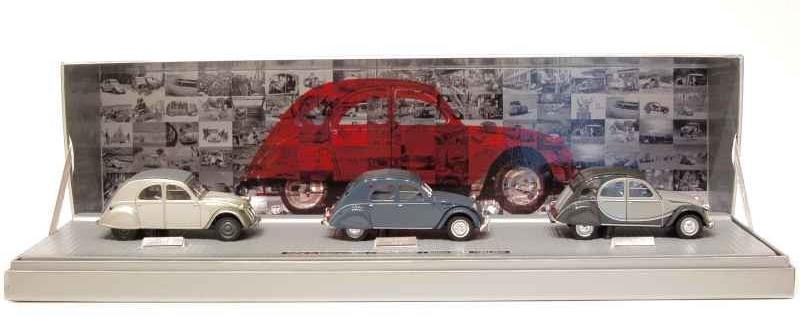 Citroën miniatures, on a fêté la 2CV Coffre13