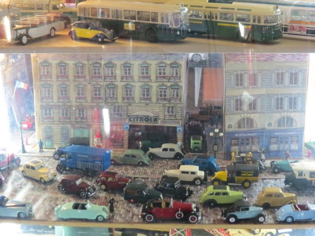 CANTAL > Château de la Vigne et son Salon de l'Auto Miniature Img_2112