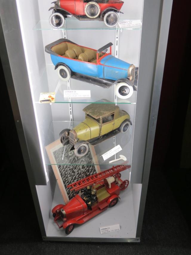 CANTAL > Château de la Vigne et son Salon de l'Auto Miniature Img_2119