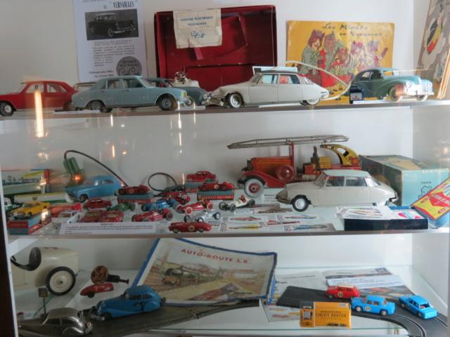 CANTAL > Château de la Vigne et son Salon de l'Auto Miniature Img_2125