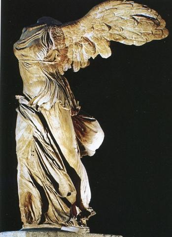 Le Louvre, ses fantômes et ses stars Img46010