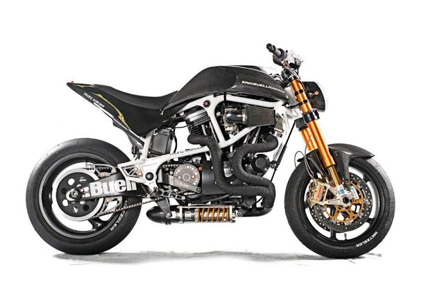 LC4 640 Racer... en 3D !!  - Page 19 Buell_10