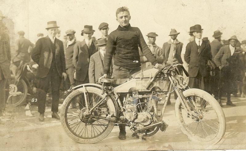 Harley-Davidson – Peashooter - 21.35ci (350 cc)  - Page 21 Hd-19111