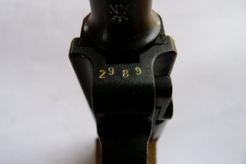 """Un rare P 08 """"français"""", daté 42. 00710"""