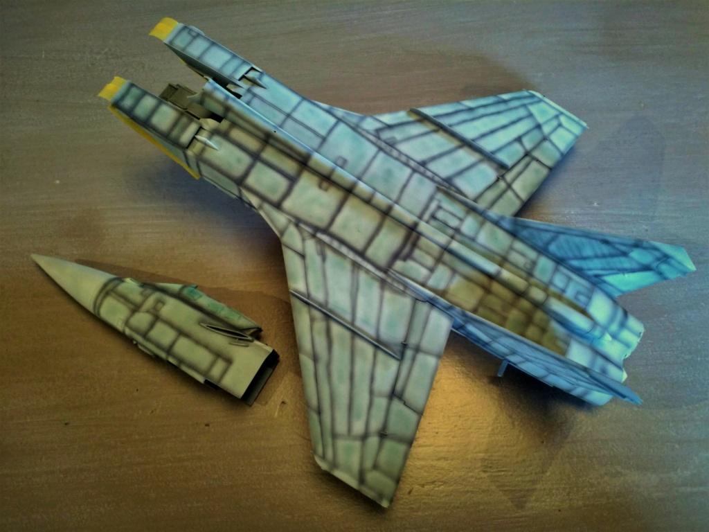 """Mikoyan-Gurevitch MiG-31 BM/BSM """"Foxhound"""" (AMK 1/48) - Page 7 123"""