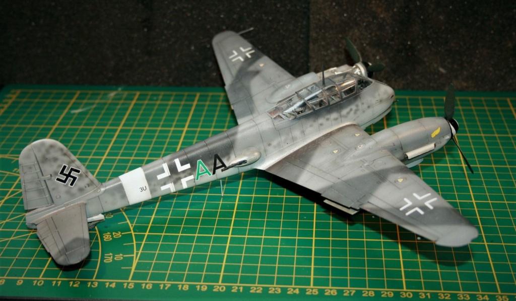 Messerschmitt Me 410B-2/U2/R4 (MENG 1/48) - Page 10 Img_0610