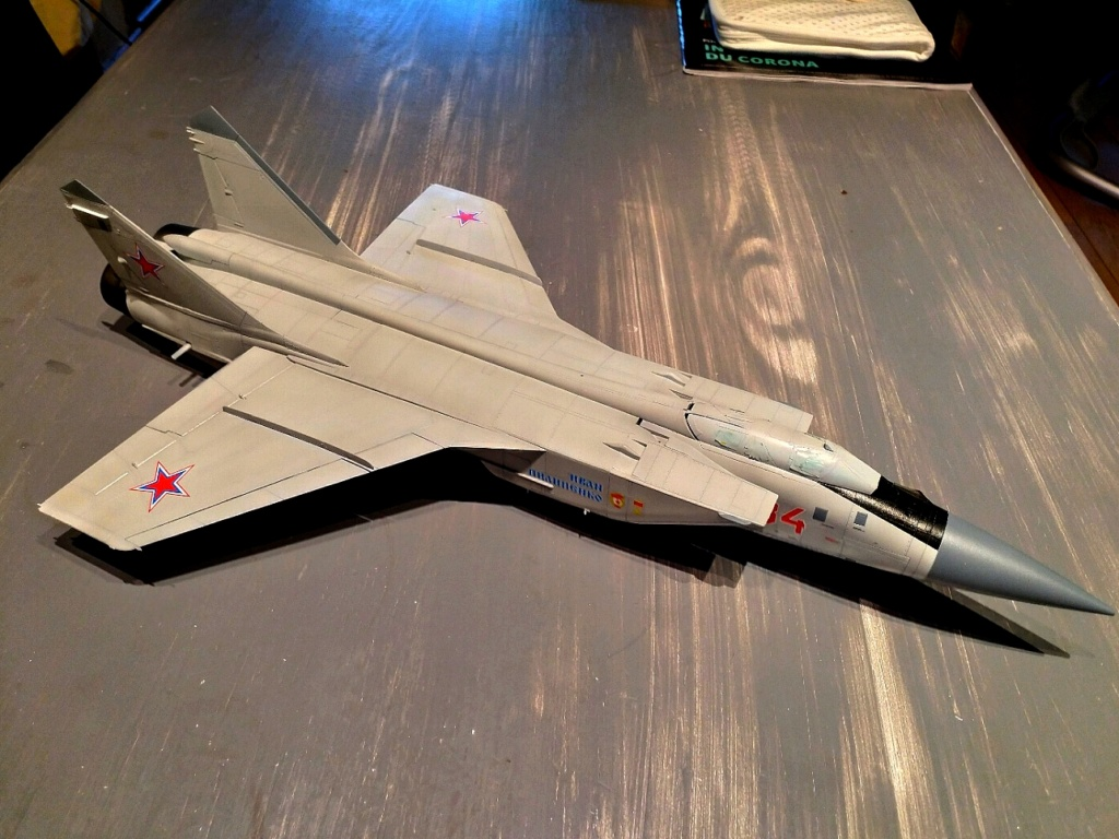 "Mikoyan-Gurevitch MiG-31 BM/BSM ""Foxhound"" (AMK 1/48) - Page 8 Img_2050"
