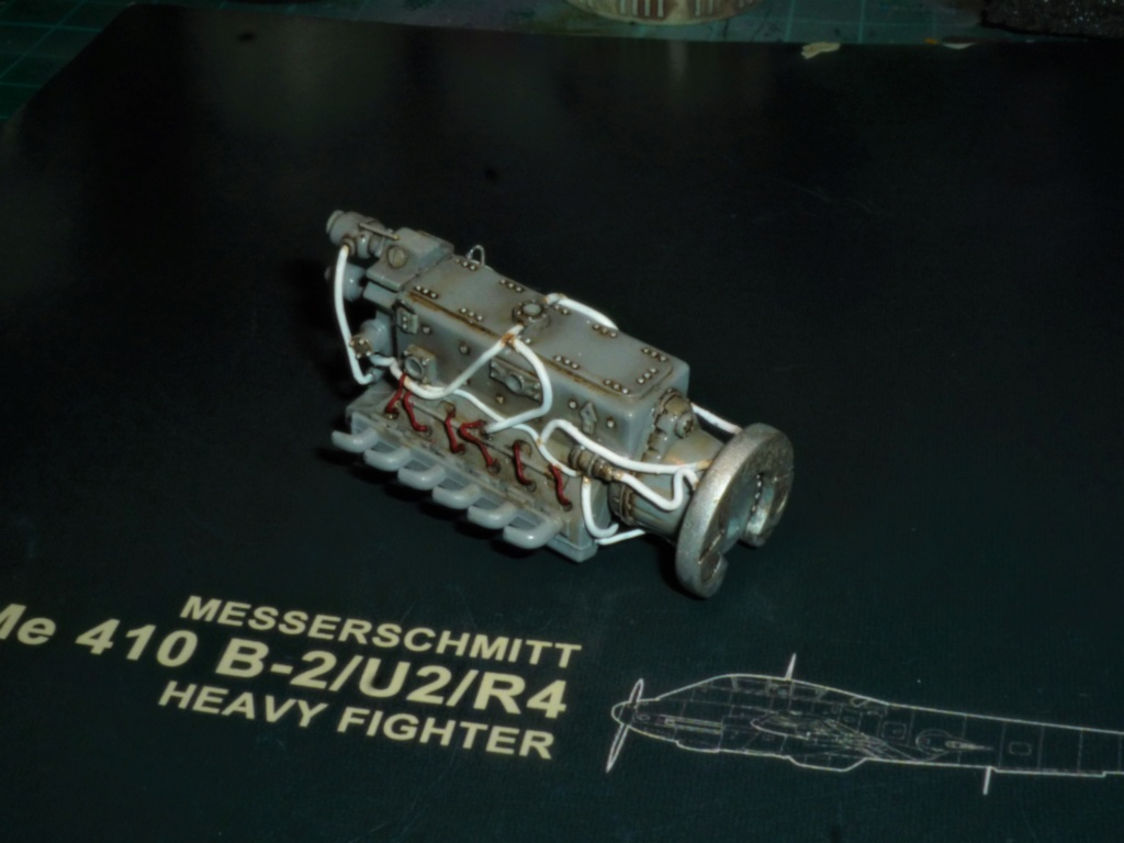 """Messerschmitt Me410B-2/U2/R4 """"Hornisse"""" (MENG 1/48) - Page 11 P1110112"""