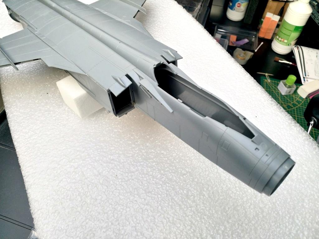 "Mikoyan-Gurevitch MiG-31 BM/BSM ""Foxhound"" (AMK 1/48) - Page 2 Thumbn90"
