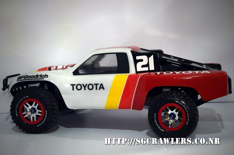 toyota - Boolean21's Traxxas Slash 4x4 Platinum Edition - Ivan Stewart Toyota Theme paint work Imgp9115