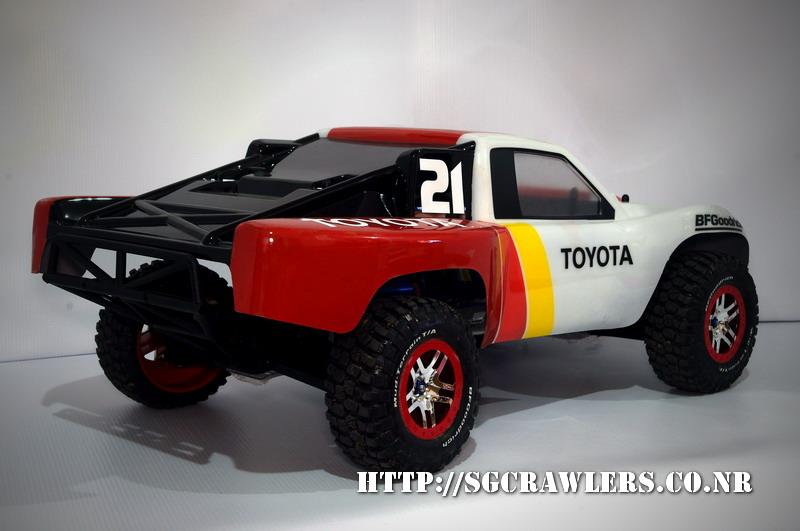 toyota - Boolean21's Traxxas Slash 4x4 Platinum Edition - Ivan Stewart Toyota Theme paint work Imgp9116