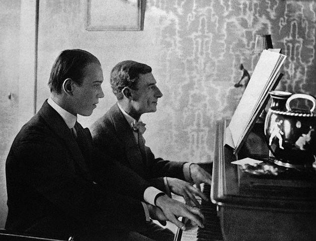 كونشرتو البيانو و الاوركسترا فى مقام صول كبير من اعمال موريس رافيل Nijins10