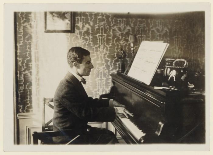 المرايا اشهر اعمال موريس رافيل للبيانو حصريا على اساطين النغم Ravel-12