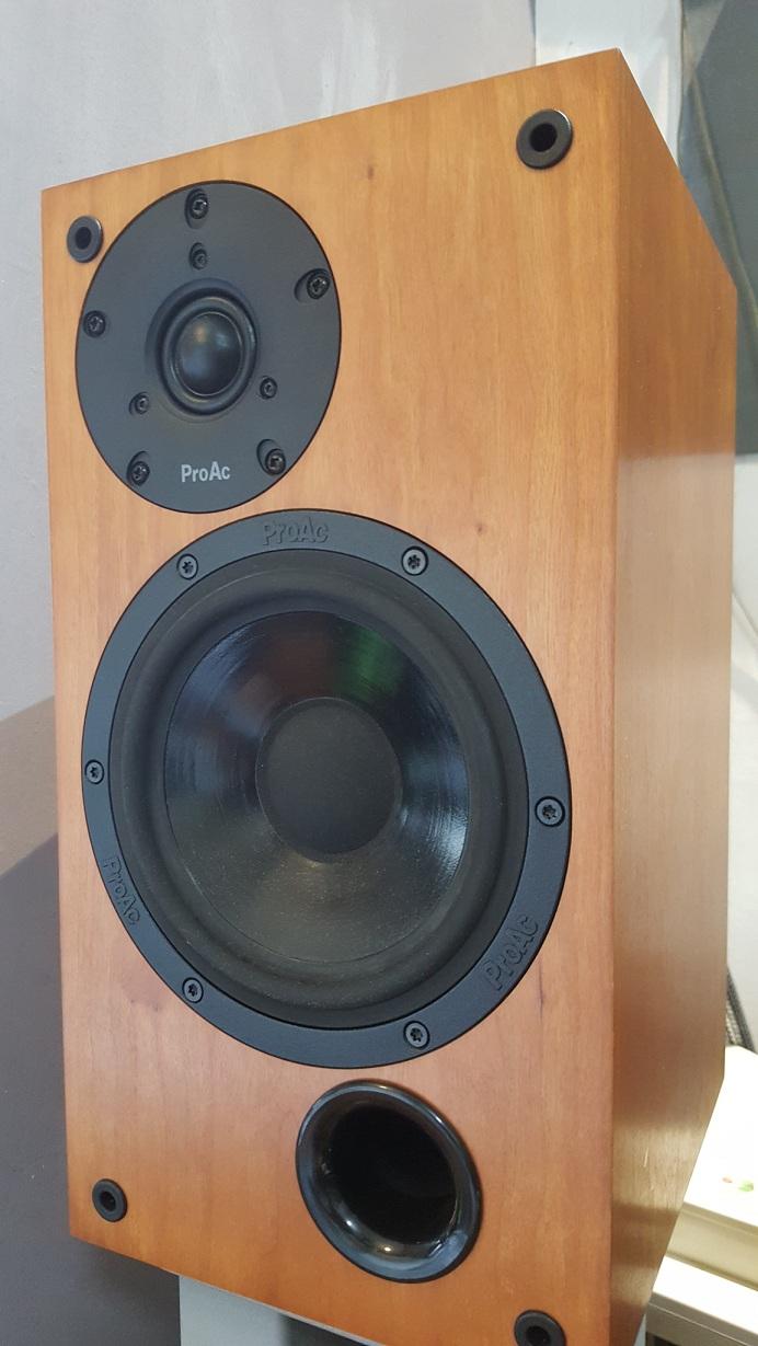 ProAc Studio 110 speakers P610