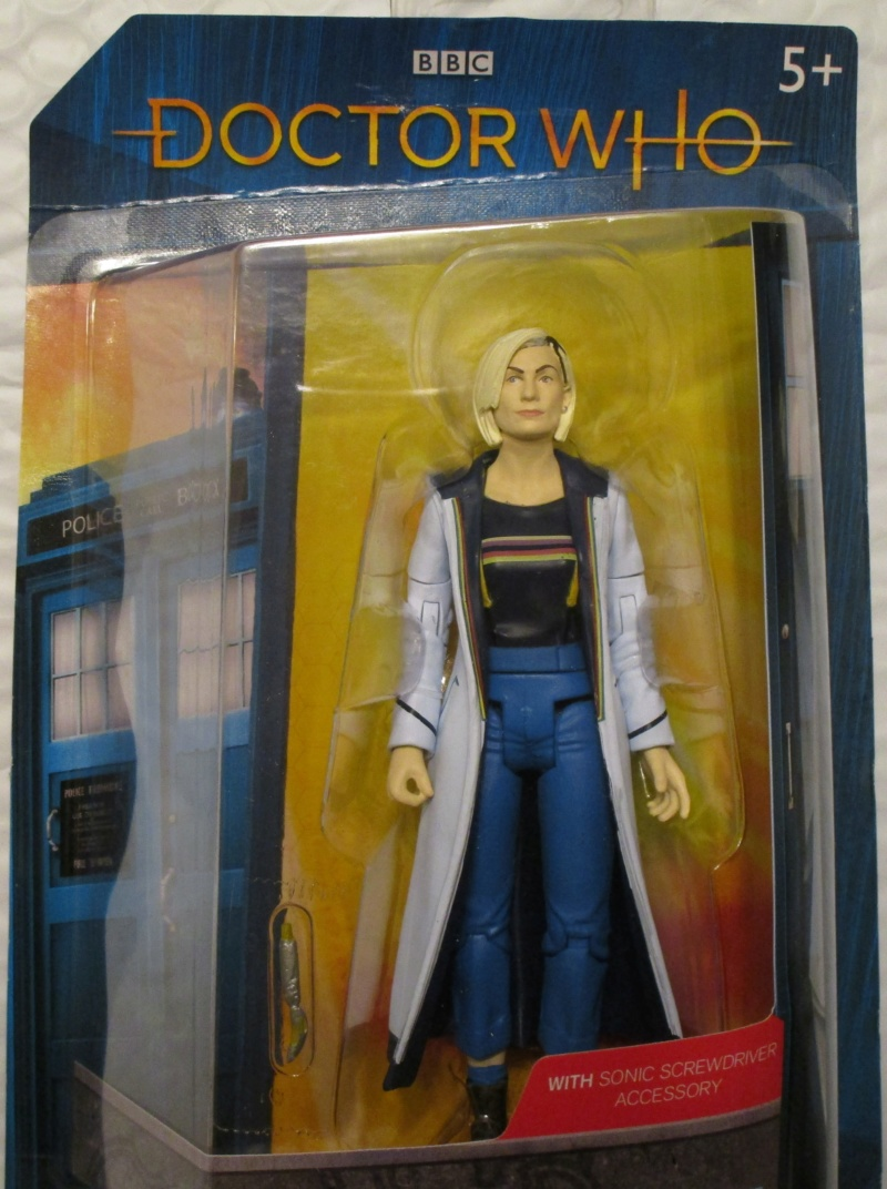 New CO 13th Doctor Figure - Page 2 Img_0215