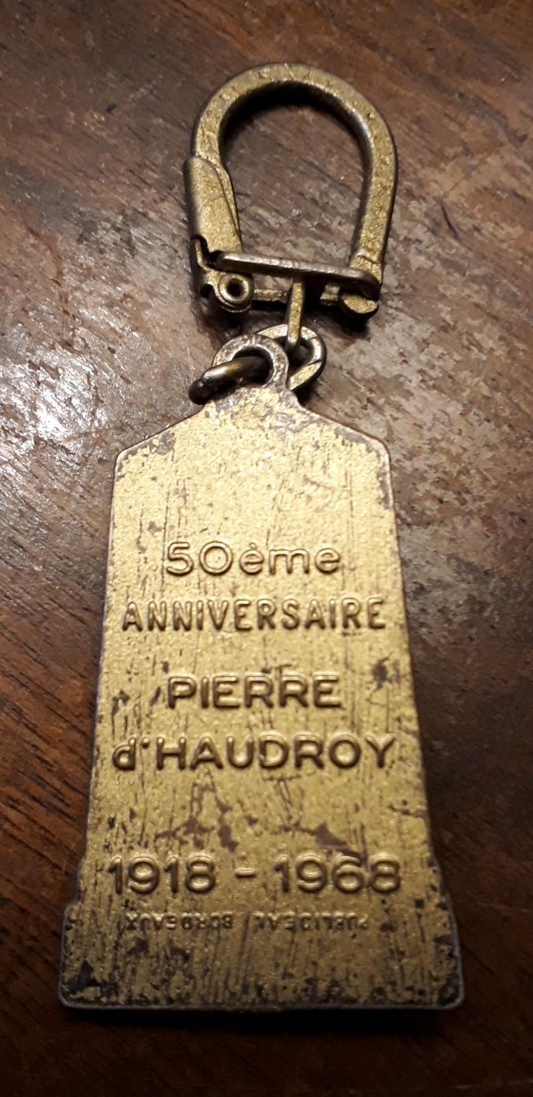 Monument Pierre d'Haudroy... Haud210
