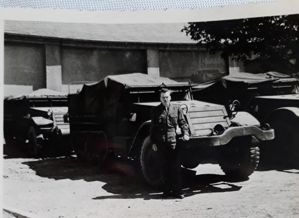 Engins et militaire français à identifier...1950 ? Oto210