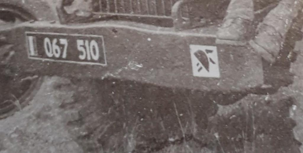 Engins et militaire français à identifier...1950 ? Oto410