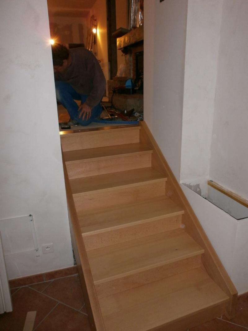 """Réalisation d'un escalier """"simple""""  - Page 3 P1310010"""