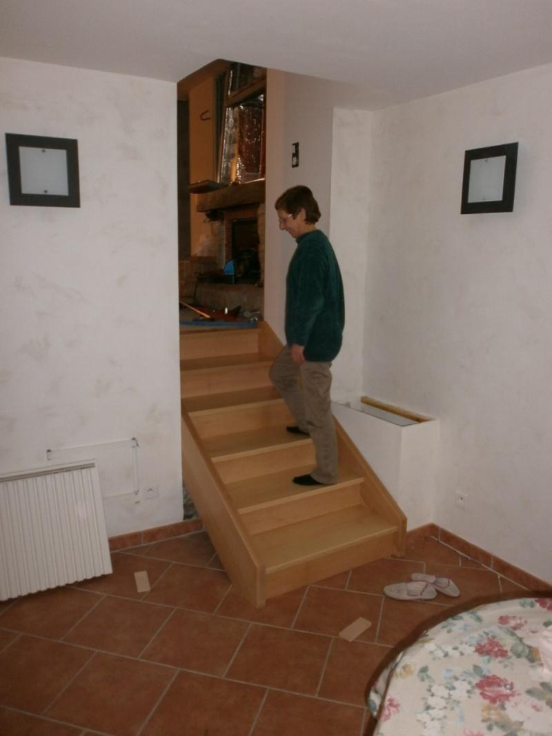 """Réalisation d'un escalier """"simple""""  - Page 3 P1310011"""