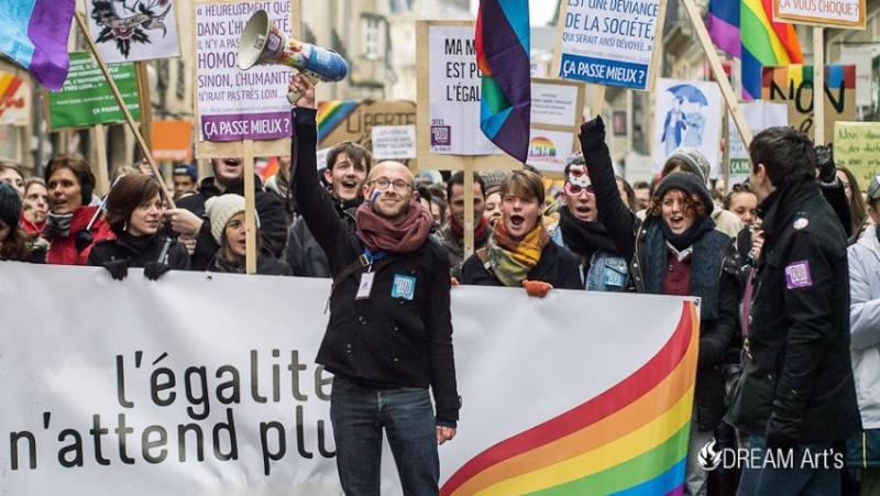 [GX1] Manif Gay Rennes Dreama10