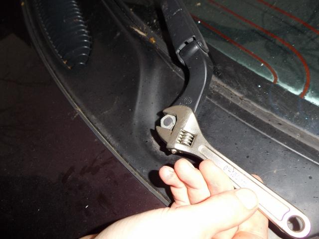 bruit d'eau derrière la boite a gants  Dibona21