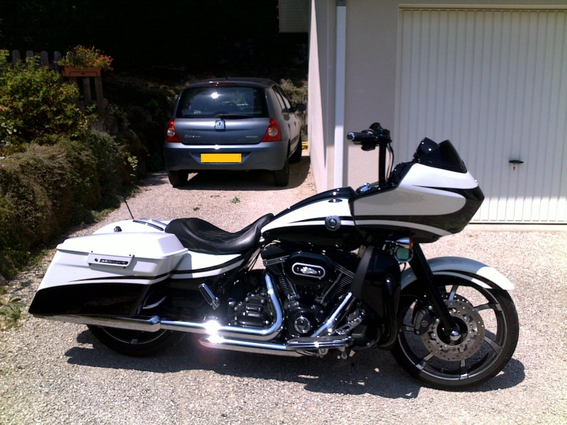 Road Glide CVO, combien sommes nous sur Passion-Harley Harley10