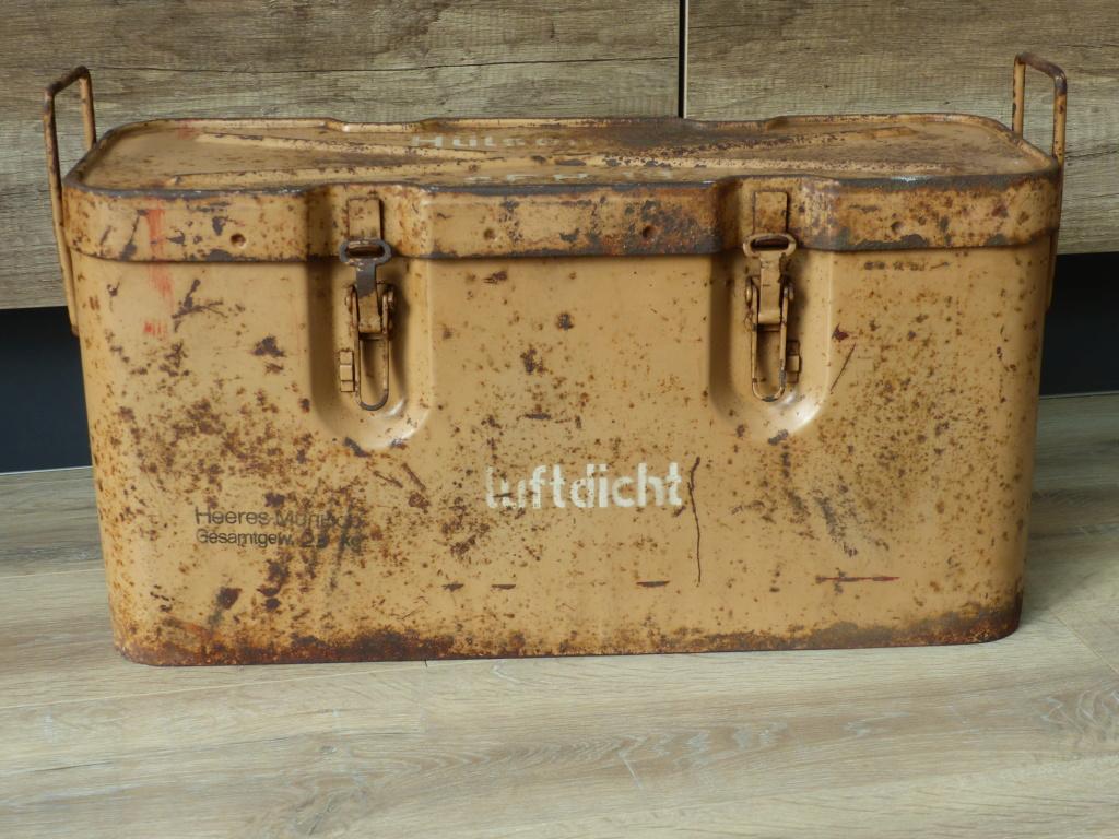 mes caisses allemandes ww2  (métal) P1030441