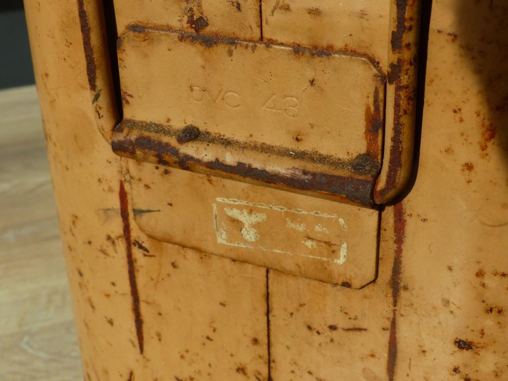 mes caisses allemandes ww2  (métal) P1030442