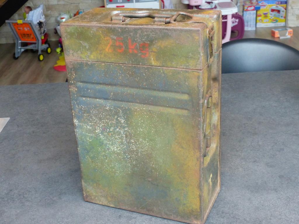 mes caisses allemandes ww2  (métal) - Page 2 P1030832