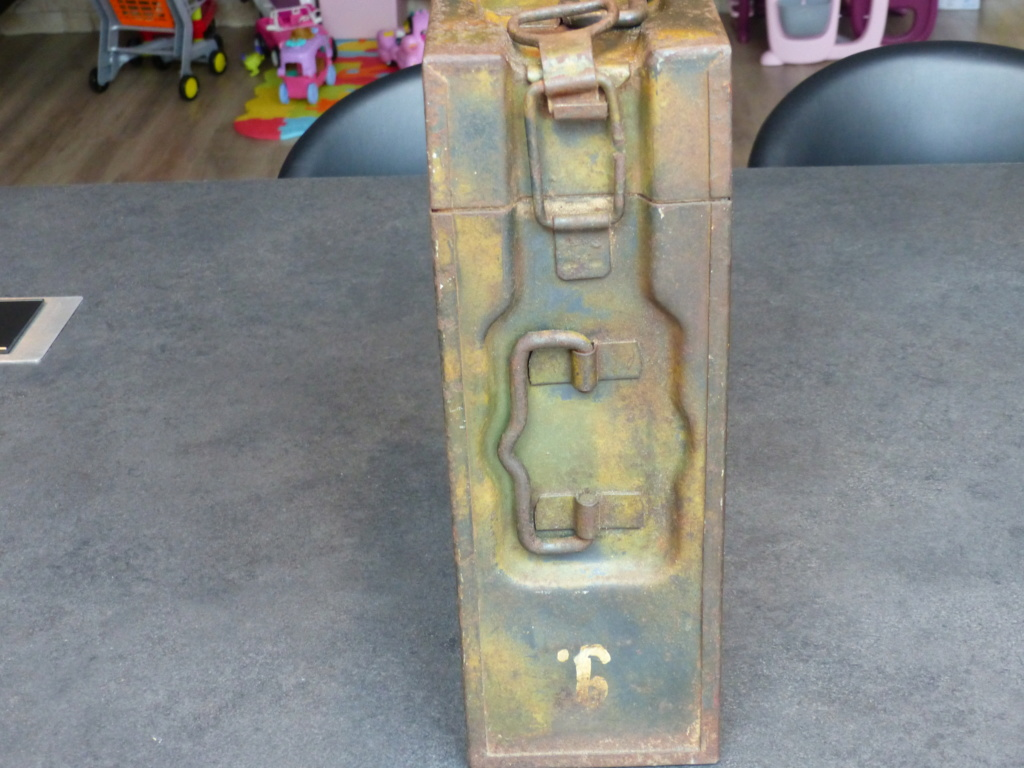 mes caisses allemandes ww2  (métal) - Page 2 P1030833