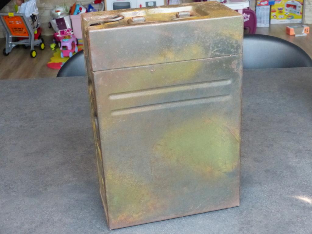 mes caisses allemandes ww2  (métal) - Page 2 P1030834