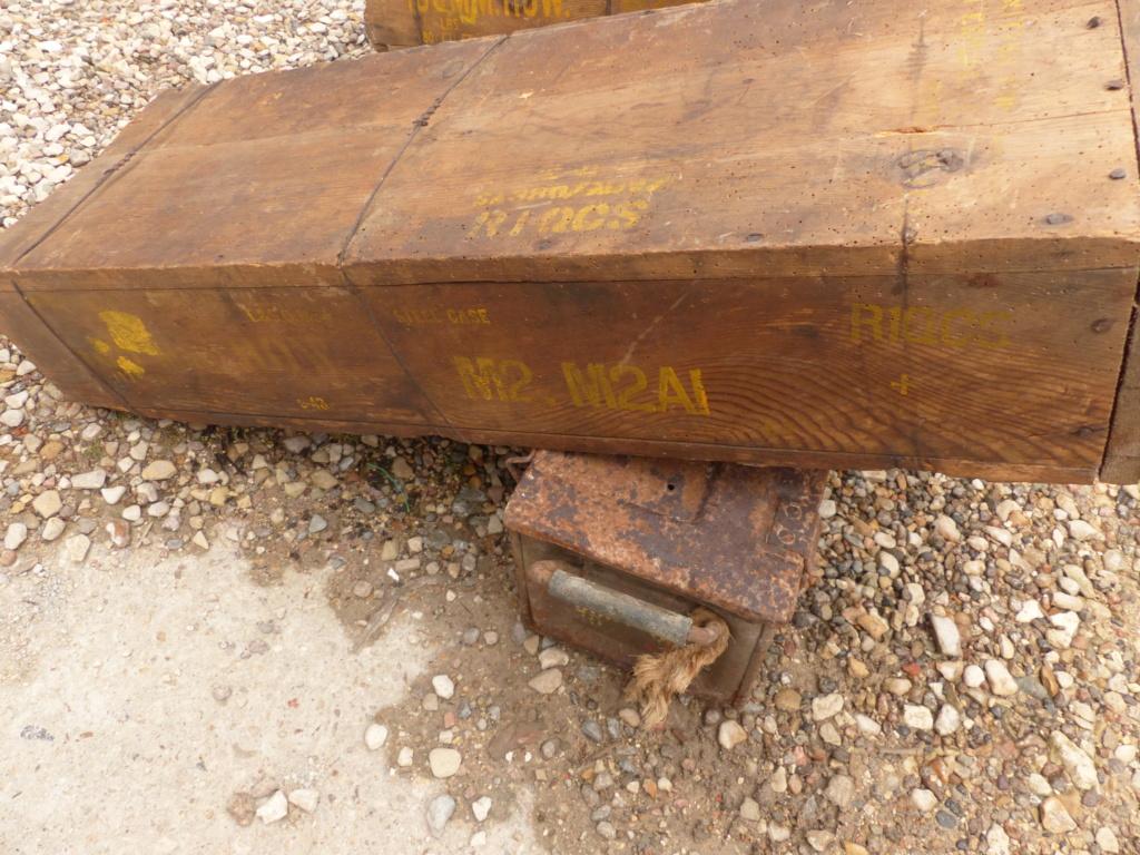 caisse de 105 mm et mine anti char US ww2  P1040316