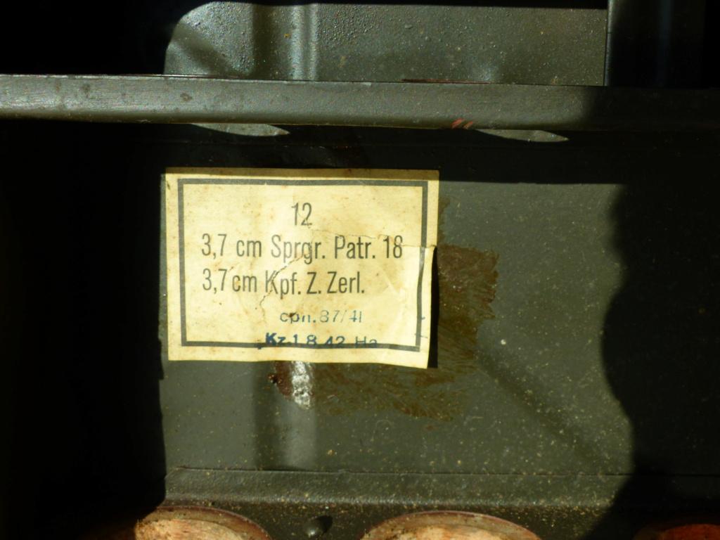 une très belle caisse allemande camouflée P1040415