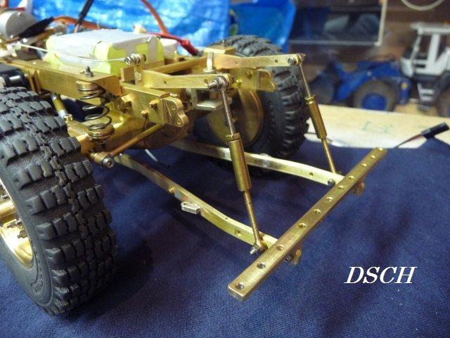 Modele reduit de 411 en laiton(je pense) E6ua-110