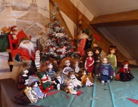 Quelques unes de mes BJD fêtent Noël ! P1050011