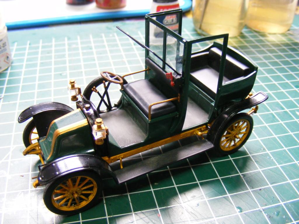 Renault Taxi de la Marne 1914  avec figurines (kits ICM 1/35) Dscf8370