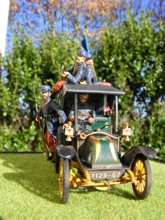 Renault Taxi de la Marne 1914  avec figurines (kits ICM 1/35) - Page 2 Dscf8477