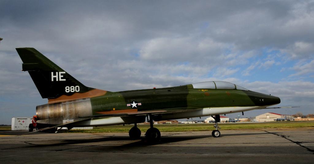 F-100 D (1/48° de Monogram) F100-110