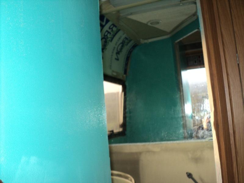 réparation bac douche et installation fixe d'un coffre Resine10